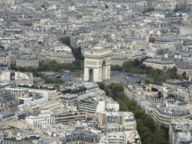 ルミエールアキ:フランス・パリ・凱旋門