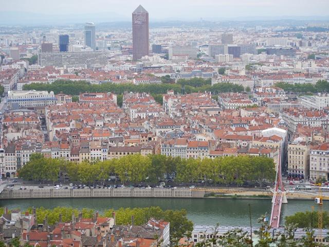 ルミエールアキ:フランス・リヨン