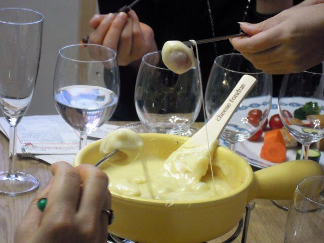 ルミエールアキ:ワインとチーズの講座、チーズフォンデュ