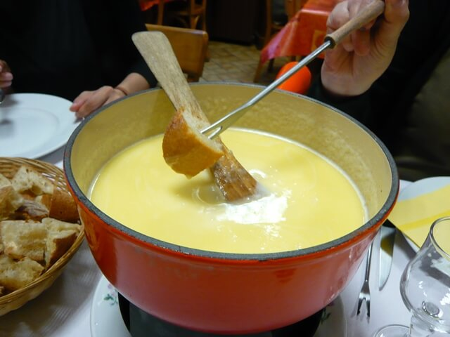 ルミエールアキ:フランス・オーヴェルニュ地方・チーズ
